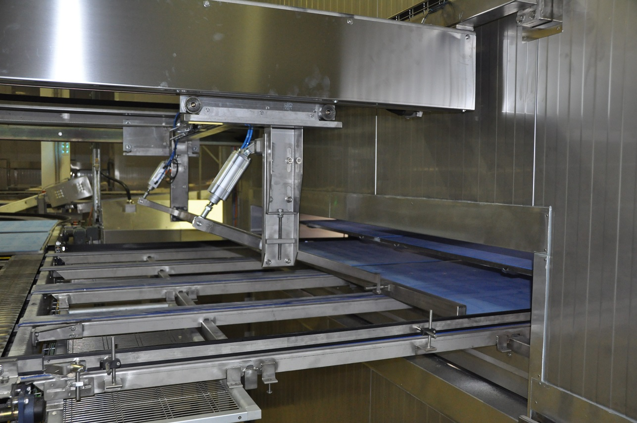 Bar pusher to load boards in the proofer Alitech