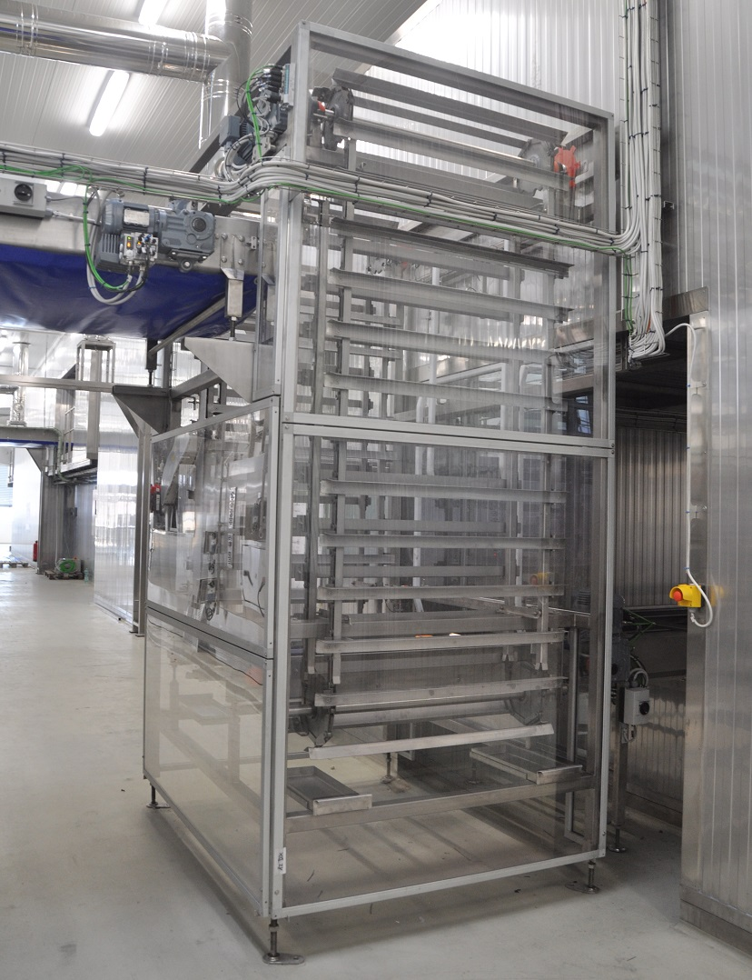 Elevator to shift the trays between the levels within baking line Alitech Srl