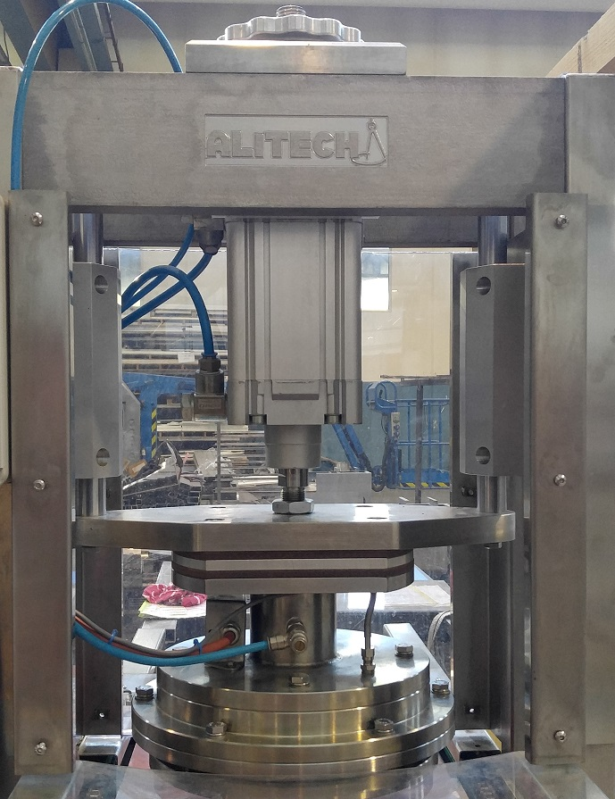 Single hot press for pizza produced by Alitech